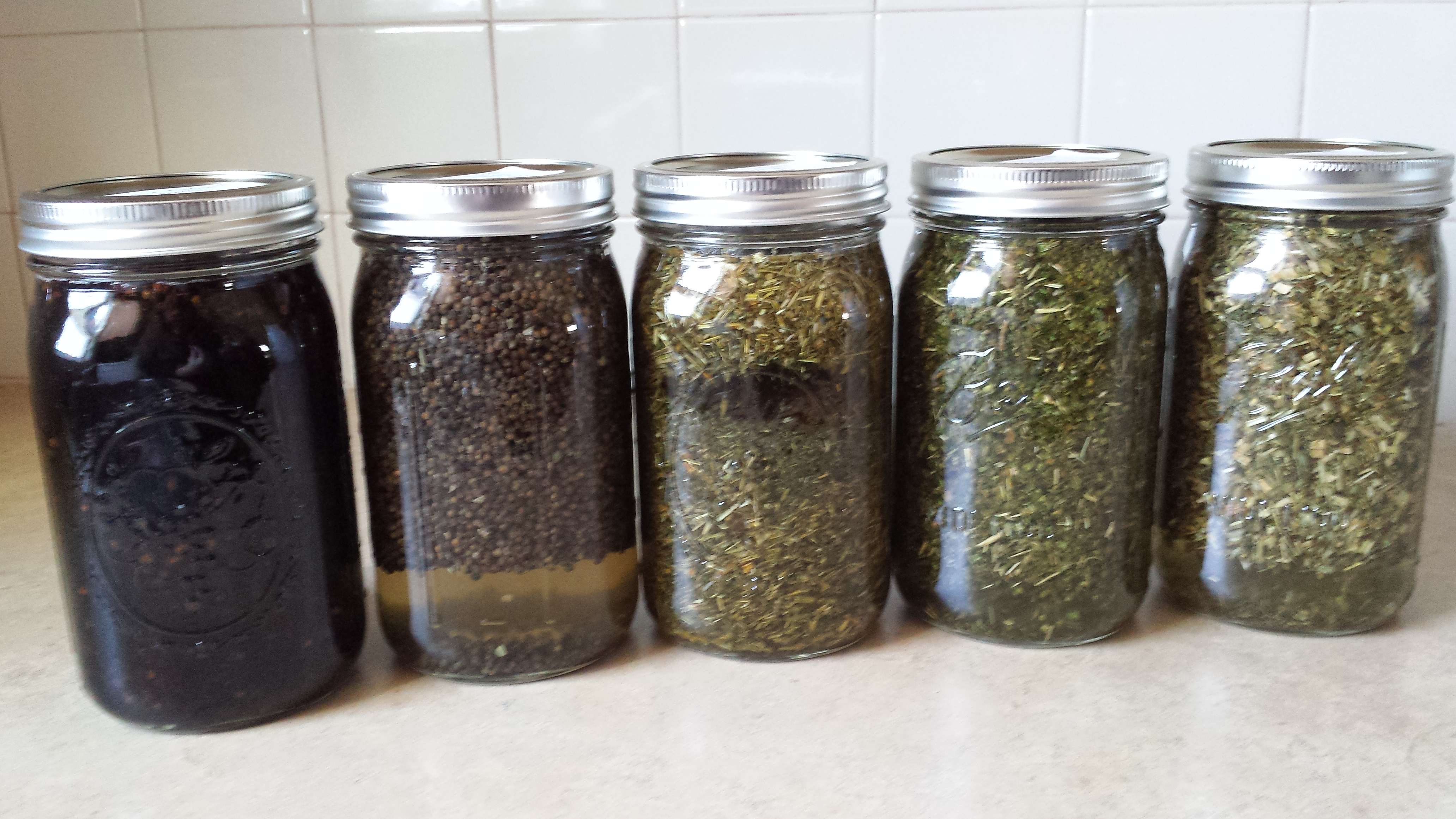 Preparation and Dosage: Teas and Tinctures - Herbal Prepper